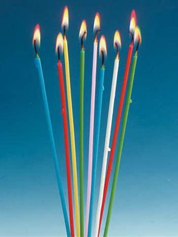 Gekleurde kaarsen 20 cm per 18 verpakt