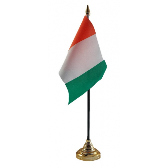 Ivoorkust tafelvlag met standaard