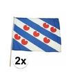 2x friesland zwaaivlaggen lichtblauw 45 x 30 cm